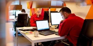 Beitragsbild IT-Mitarbeiter Softwareentwickler Münster